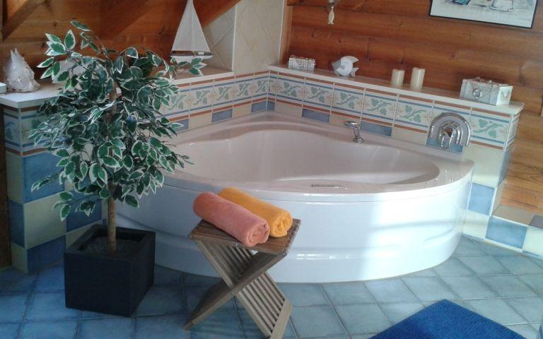 Badewanne mit Whirlpool