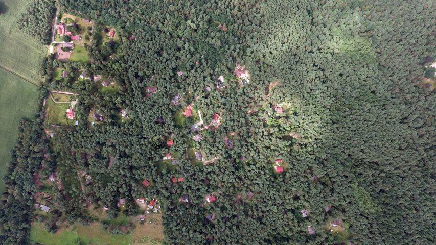 Luftaufnahme vom Wochenendhausgebiet. Hier können Sie Ihren Urlaub verbringen.