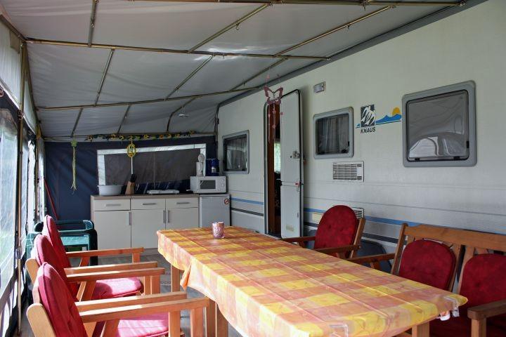Vorzelt Mietwohnwagen Villa Caravana