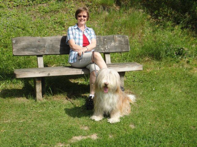 Kaja und Frauchen im Park