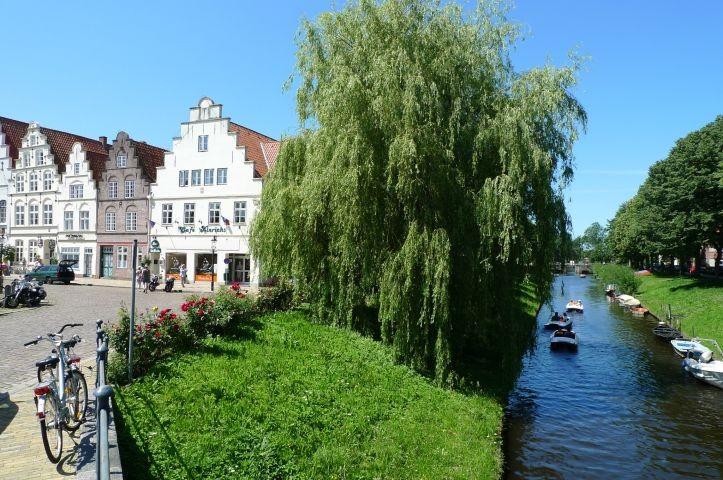 Friedrichstadt (16km) ist definitiv einen Besuch wert