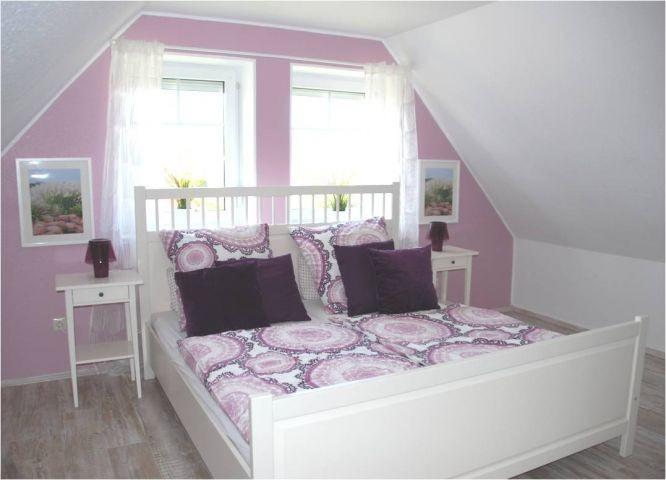 Schlafzimmer Auszeit mit Babybett