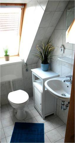 Badezimmer mit Dusche (OG)
