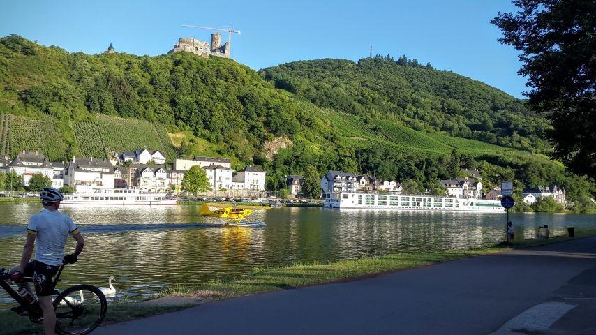 Blick auf die Burg Landshut - Bernkastel Kues