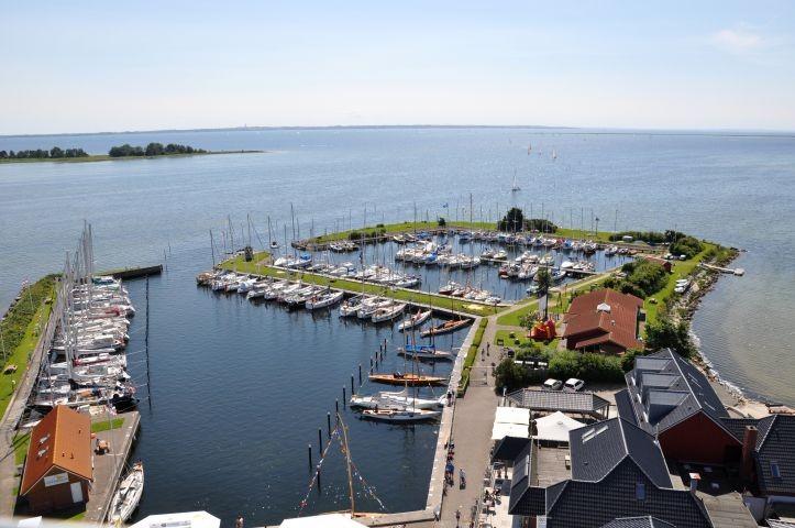 Yachthafen von Lemkenhafen
