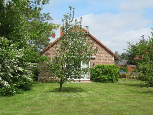 Garten mit Blick auf die Terrasse