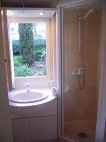 Bad mit Fenster Ferienhaus Soleil
