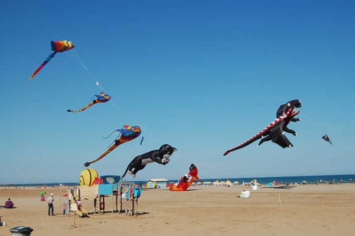 Drachenfest Strand Narbonne-Plage