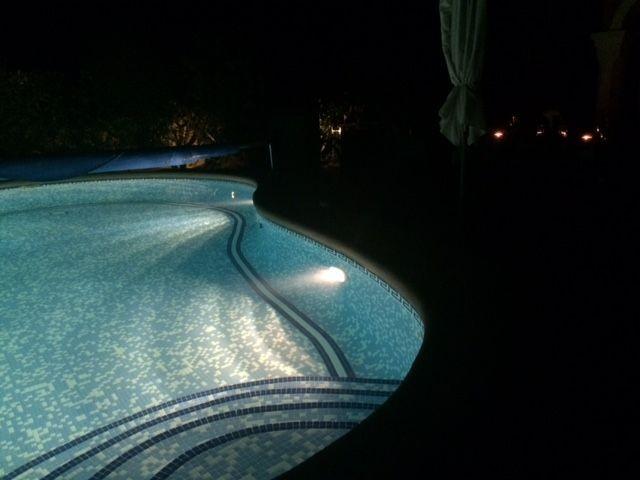 Der Pool, abends wunderschön beleuchtet