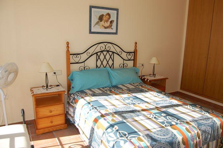 1. Eltern-Schlafzimmer mit eigenem Bad en Suite