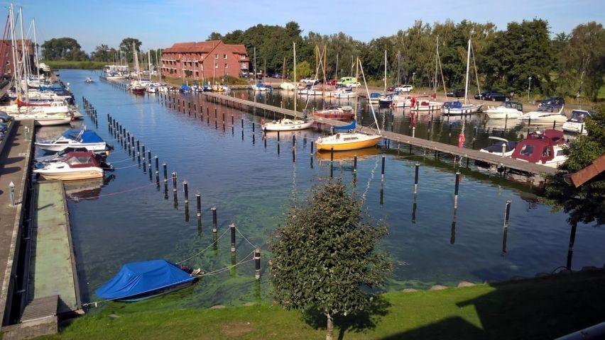 Blick vom Balkon auf die Marina