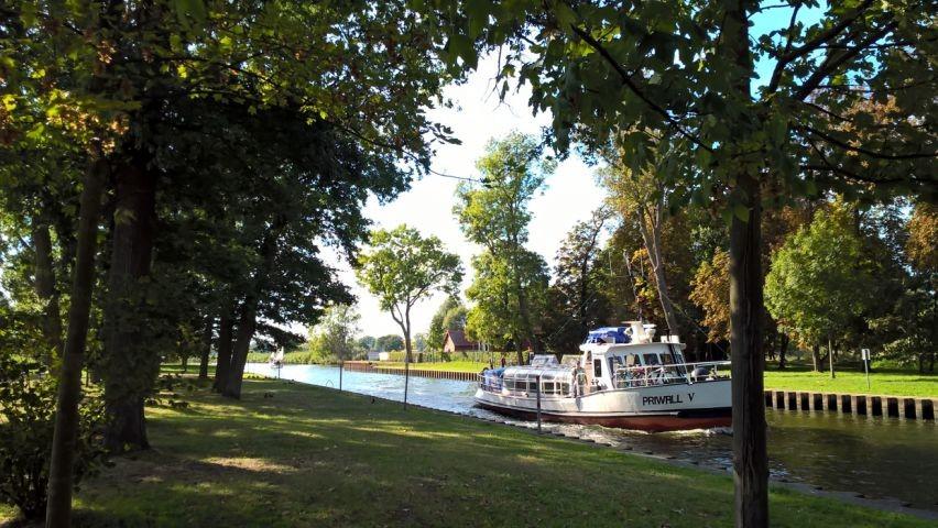 Kanal zur Marina