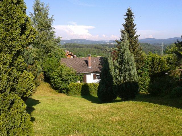 Ausblick zum Garten und der Arber-Region