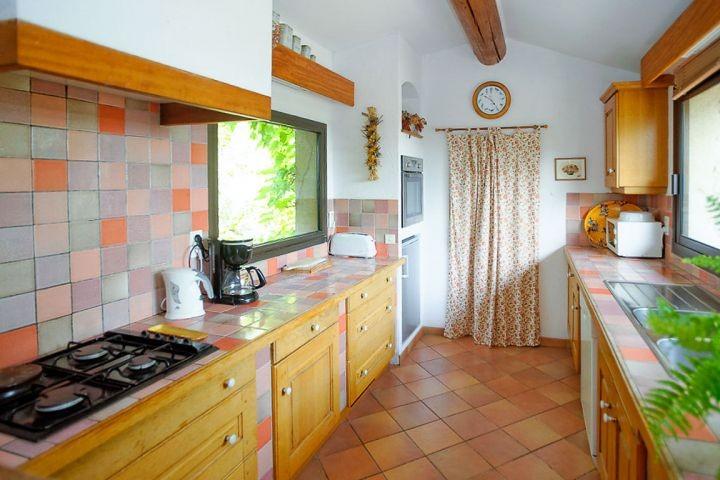 Offene Küche im Ferienhaus in der Provence