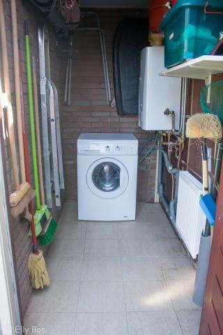 Abstellraum mit Wasmaschine