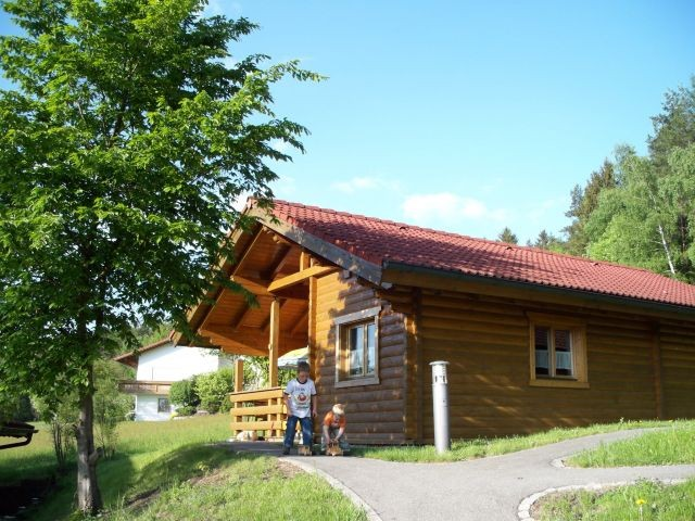 Blockhaus im Sommer