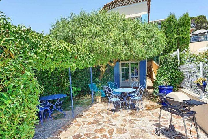Ferienhaus mit Meerblick und in Strandnähe in Le Rayol-Canadel in Südfrankreich