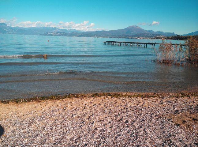 Der nächste Strand am Seeufer