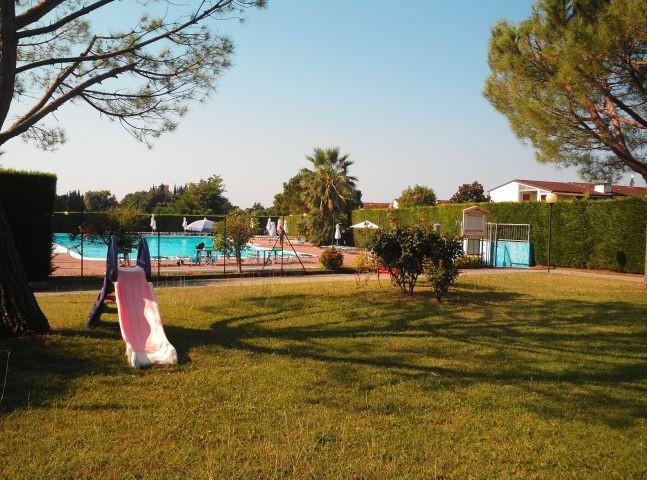 Spielplatz/ Spielwiese in der Ferienanlage