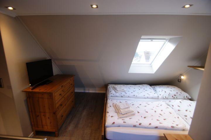 Schlafzimmer 1 im Dachgeschoss