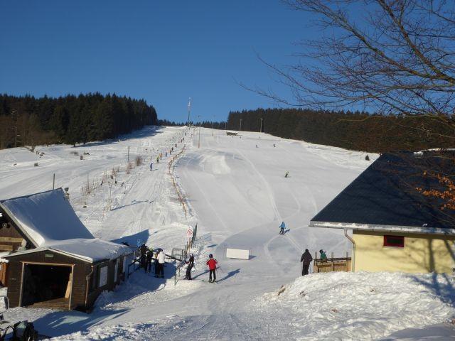 Abfahrt m. Schlepplift u.Langlauf 5kmvon Stützerbach entfernt