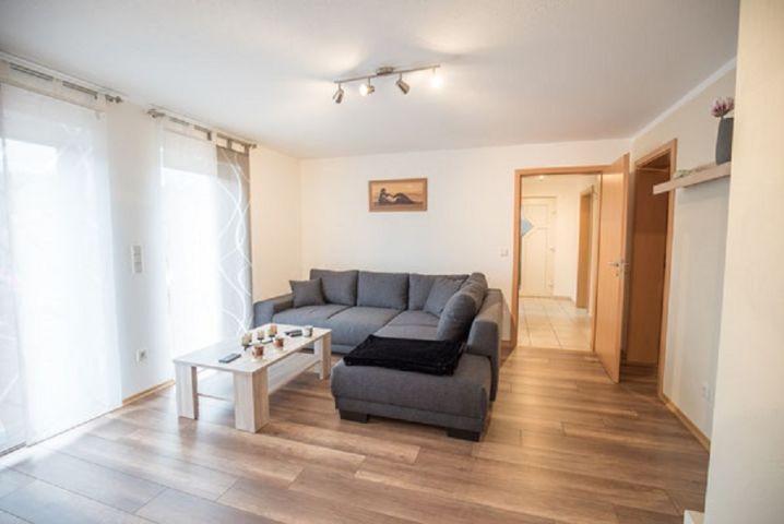 Wohnzimmer mit Terrassenanbindung