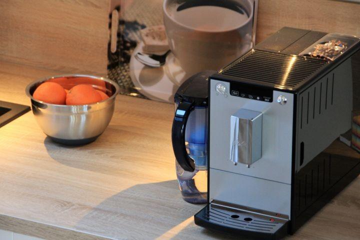 Kaffeevollautomat, Waffeleisen, Wasserkocher,...