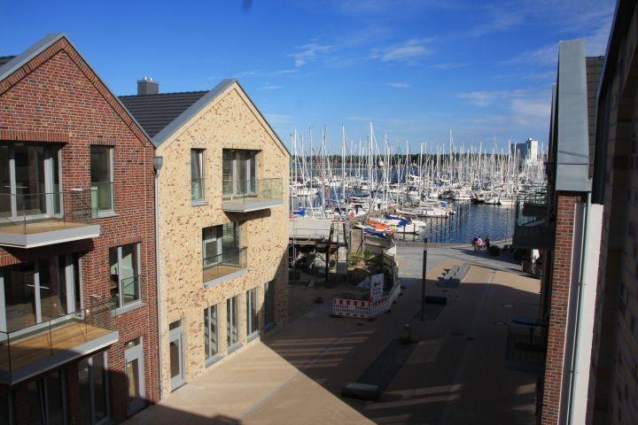 Blick von Balkon 1 auf den Yachthafen