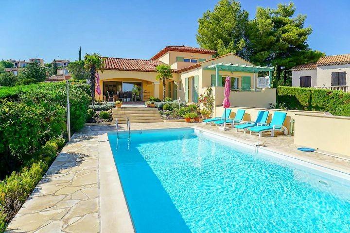Ferienhaus mit Pool und Meerblick in Saint-Aygulf an der Cote dAzur