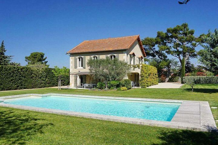 Ferienhaus mit Pool in Eygalieres in der Provence