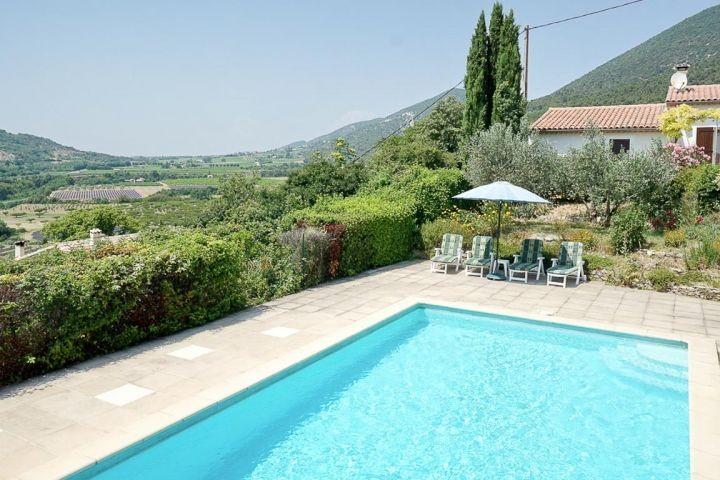 Ferienhaus mit Pool und Weitblick im Norden der Provence bei Nyons