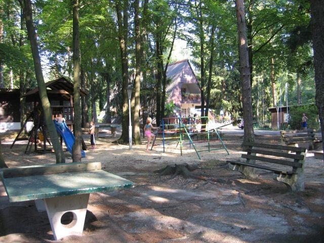 Spielplatz vor der Gaststätte Finnhütte