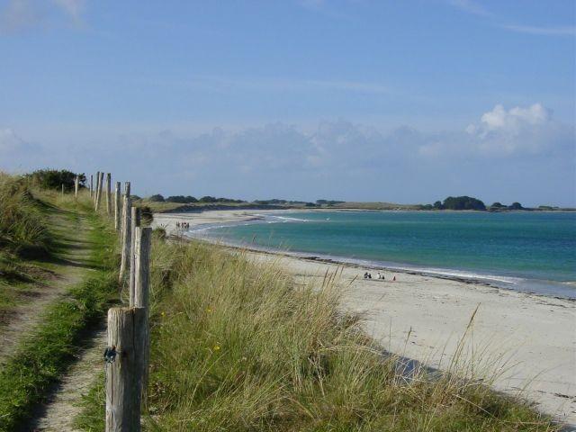 Der Wanderweg GR34 am Strand