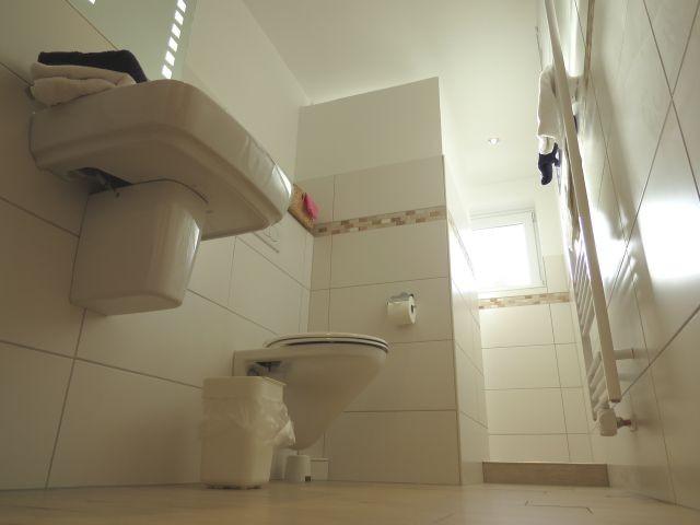 Duschbad mit WC barrierefrei begehbar