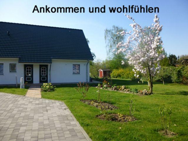 Ankommen und wohlfühlen. Das 2013 errichtete Ferienhaus und ca. 2.000 qm Grundstück stehen Ihnen ganz allein zur Verfügung