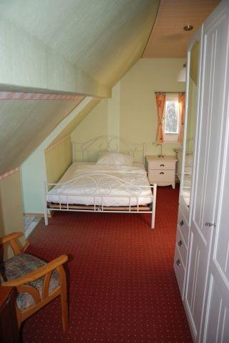 Schlafzimmer 1-Balkon