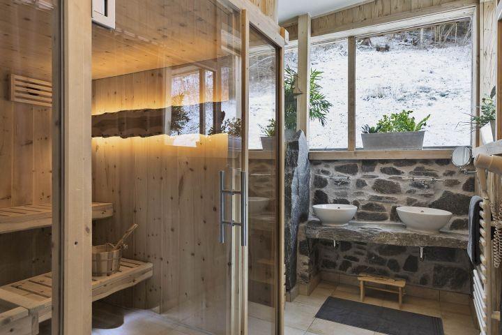 Bauernhaus Badezimmer Erdgeschoß mit Sauna