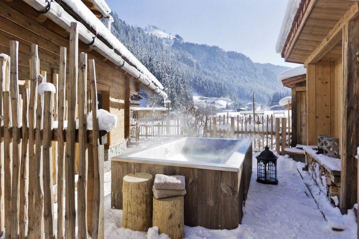 Außenbadewanne im Winter