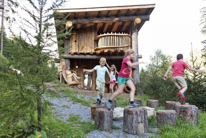 Spielplatz im Feriendorf Holzleb'n