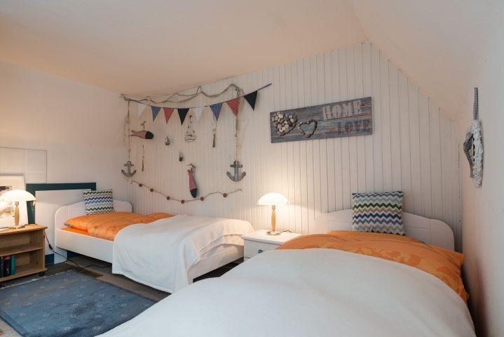 Schlafzimmer mit 2 EBs im OG