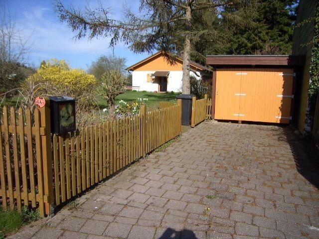 Garage mit Ferienhaus