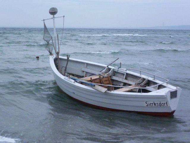 Angelboot am Strand