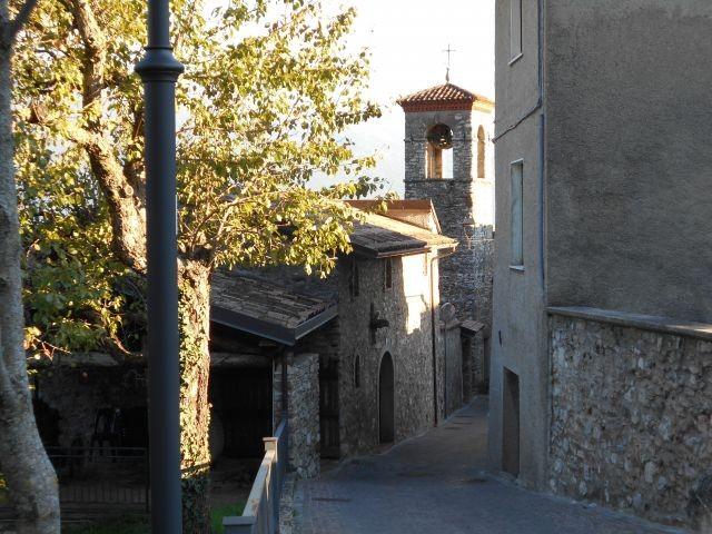 Die alte Kirche von Aer