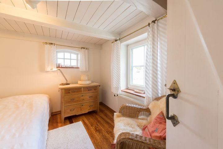 Schlafzimmer mit DB im EG