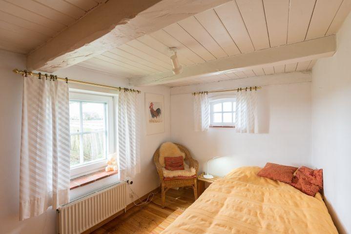 2tes Schlafzimmer mit DB im EG