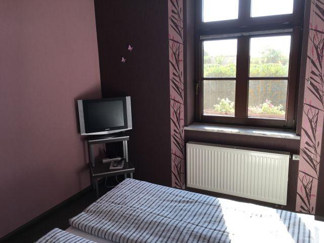 TV in Schlafzimmer 1