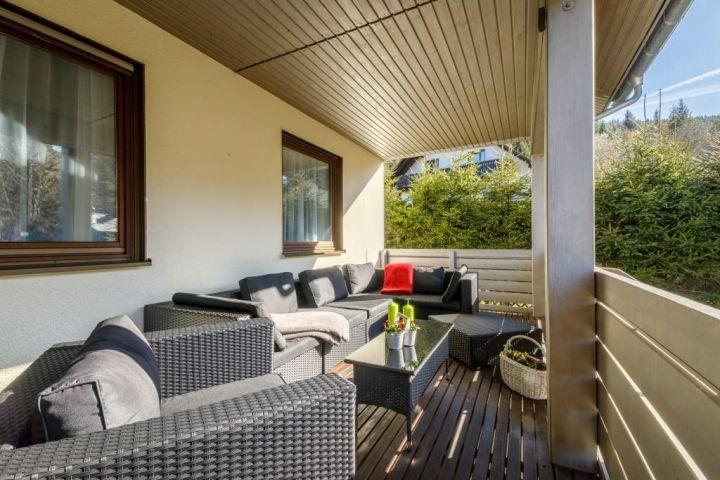 Balkon mit Loungbereich und wunderbarem Ausblick