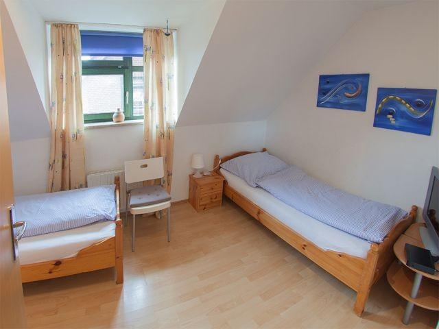 Schlafzimmer 2 Einzelbett rechts
