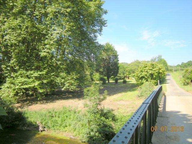 Der Chemin d'Ibure entlang des Grundstücks