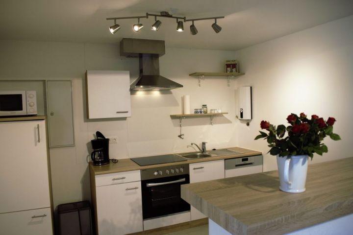 Offene Küche mit Tresen